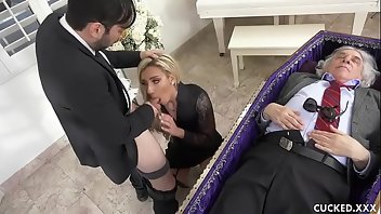 Nylon Hardcore Blonde Blowjob