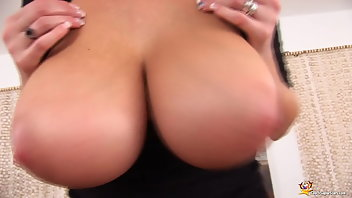 Juggs MILF Shaved Chubby
